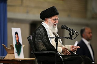 Leader Urges Youth Movement for Iran's Progress